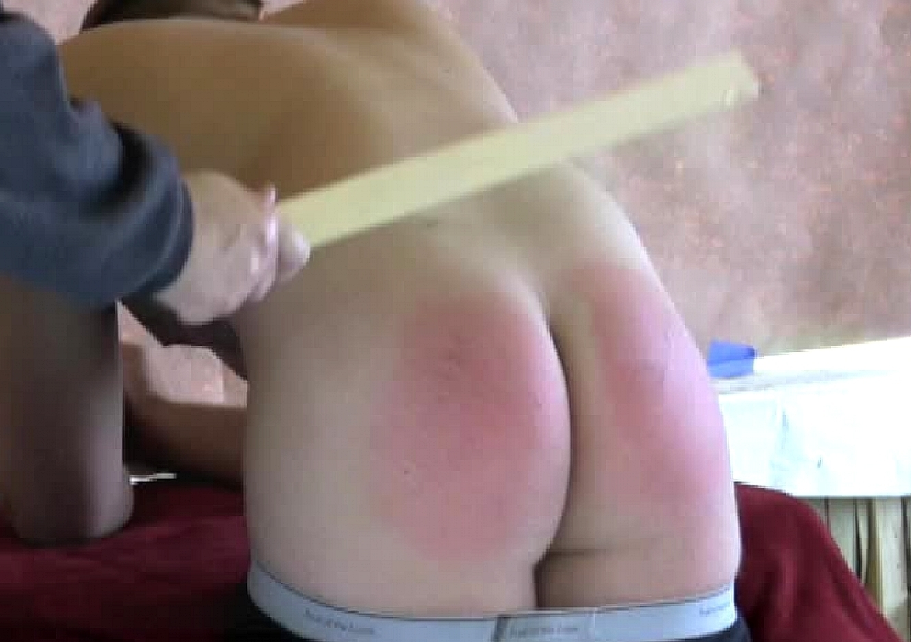 content/110724102-kevin-coles-first-spanking-part-2/0.jpg