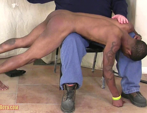 content/130425104-johns-first-spanking-part-2/3.jpg