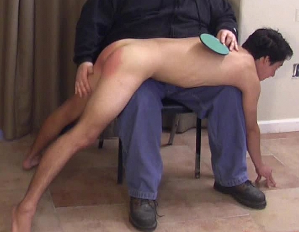 content/130723102_daniels_first_spanking/1.jpg