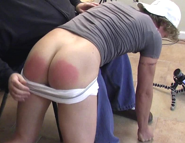 content/140625102-jeremys-first-spanking/4.jpg