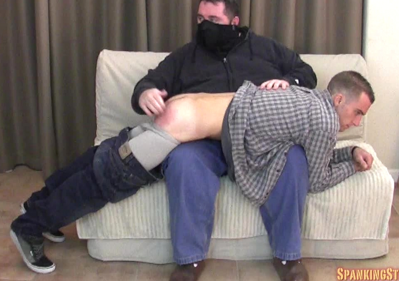 content/141114102_nicks_first_spanking/0.jpg