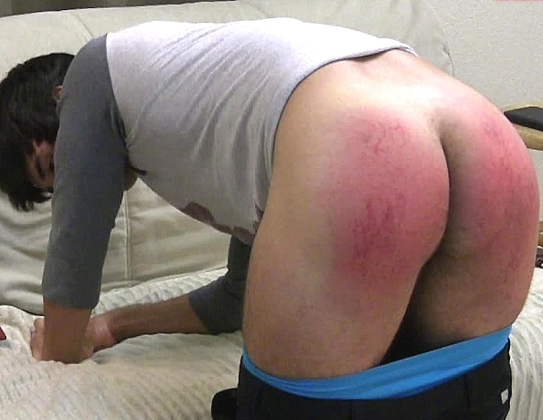 content/150918102-camerons-first-spanking-part-2/4.jpg
