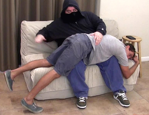 content/151001102-chads-first-spanking/1.jpg