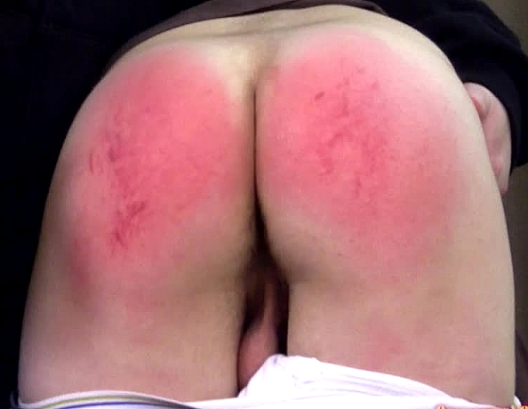 content/160618103-chris-first-spanking-part-2/1.jpg