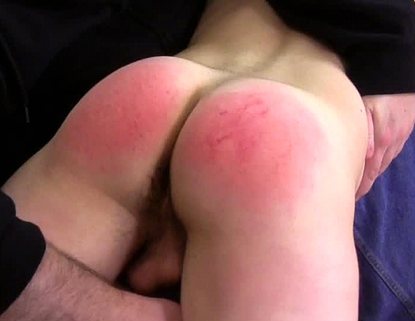 content/160618103-chris-first-spanking-part-2/4.jpg