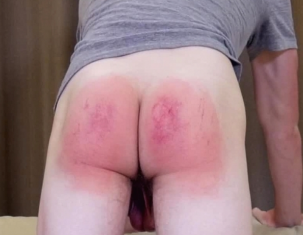 content/160721102-quinns-first-spanking/4.jpg
