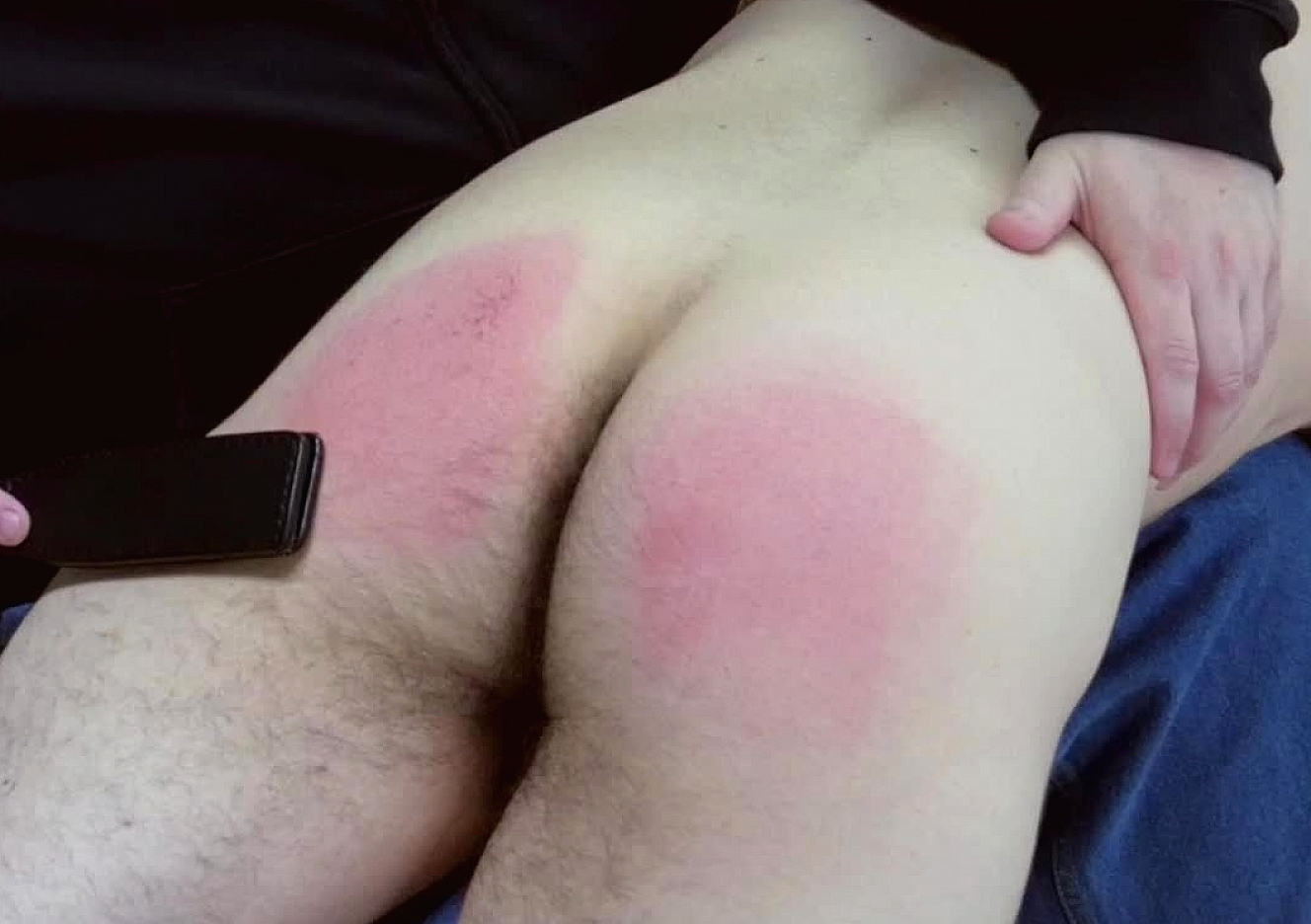 content/161128101-pauls-first-spanking/0.jpg