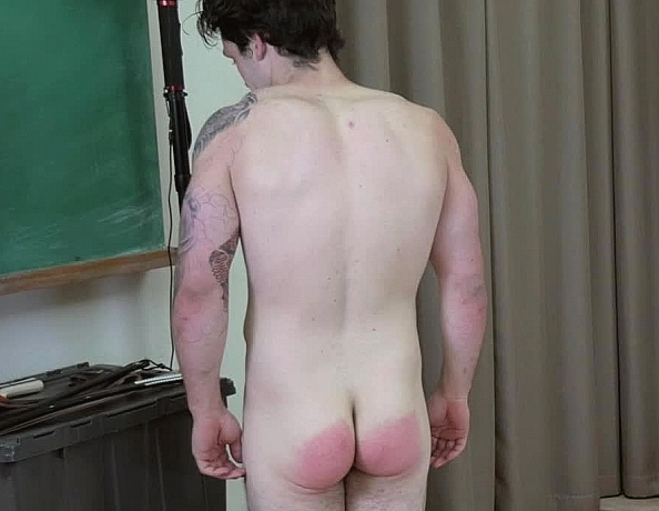 content/161128101-pauls-first-spanking/3.jpg