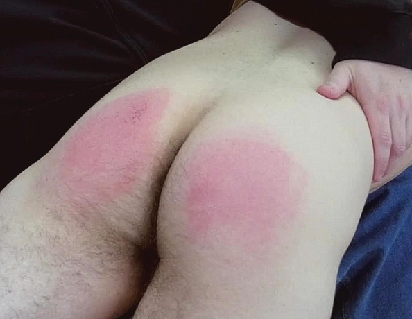 content/161128101-pauls-first-spanking/4.jpg