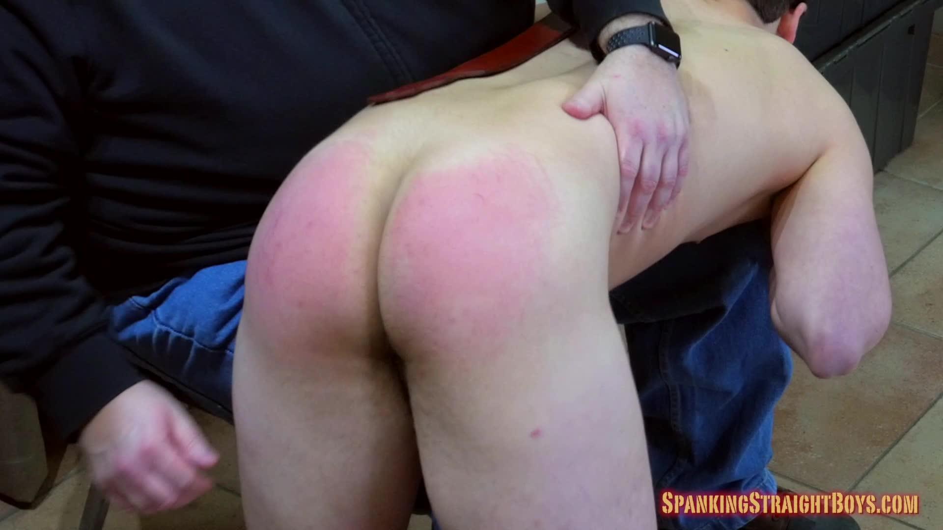 Hot muscular pornstar