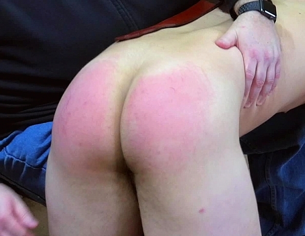 content/170324101-flynns-first-spanking/1.jpg