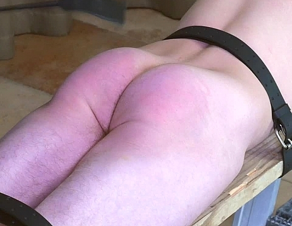 content/181114101-patrick-spanked-on-the-plank/2.jpg