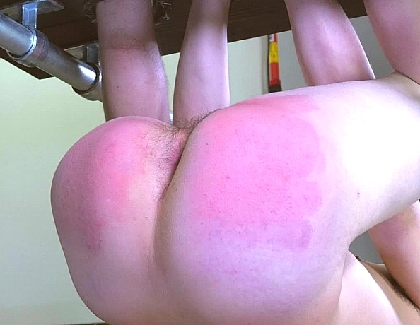 content/181207102-heath-in-the-spanking-tower-part-2/3.jpg