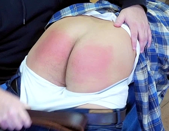 content/191002101-aidans-first-spanking/2.jpg