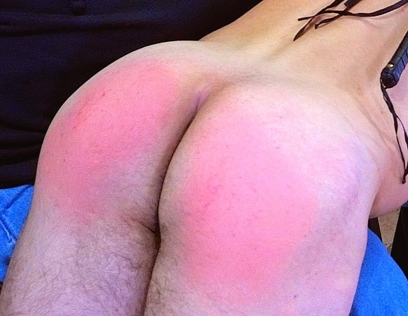 content/191122101-maxs-first-spanking/3.jpg