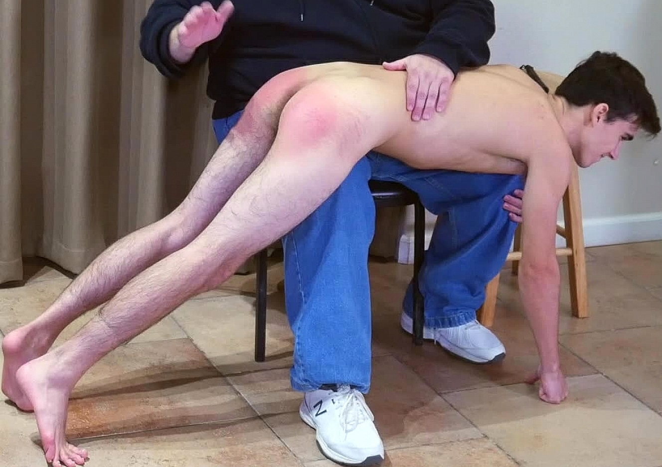 content/191222103-carters-first-spanking-part-2/0.jpg