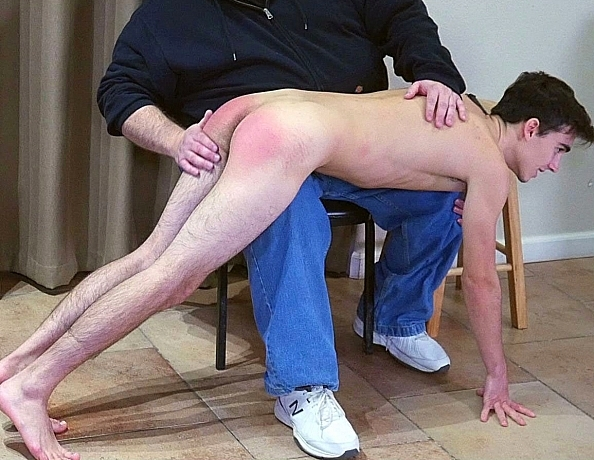 content/191222103-carters-first-spanking-part-2/2.jpg